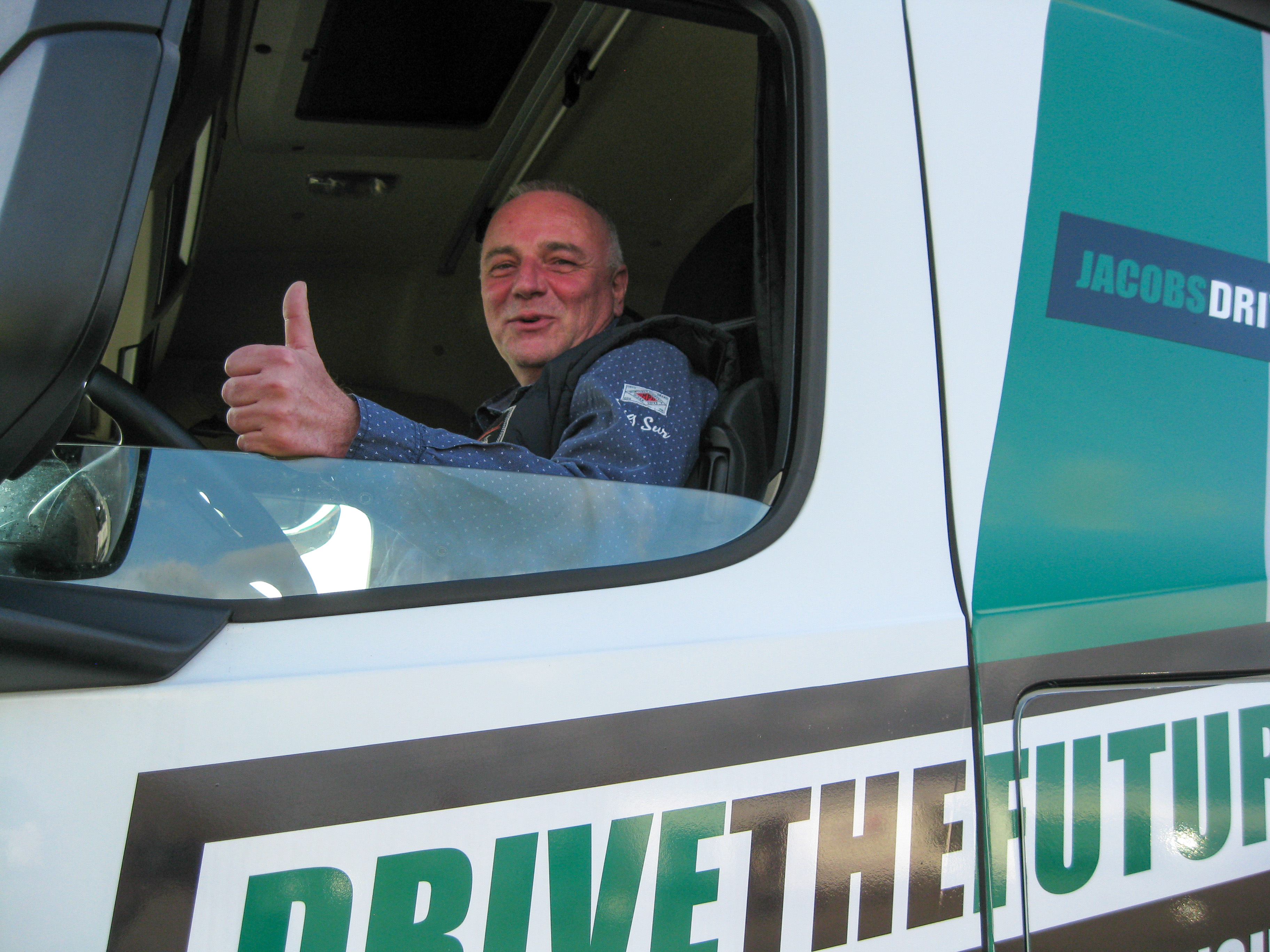 "Sven Schneider, head of driver training at Duvenbeck, confirms, ""The braking power is absolutely impressive, especially when you consider that there were 40 tons in the back."""