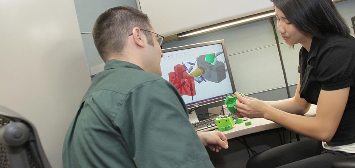JVS-Ingenieure bei der Prototypenerstellung (CAD)